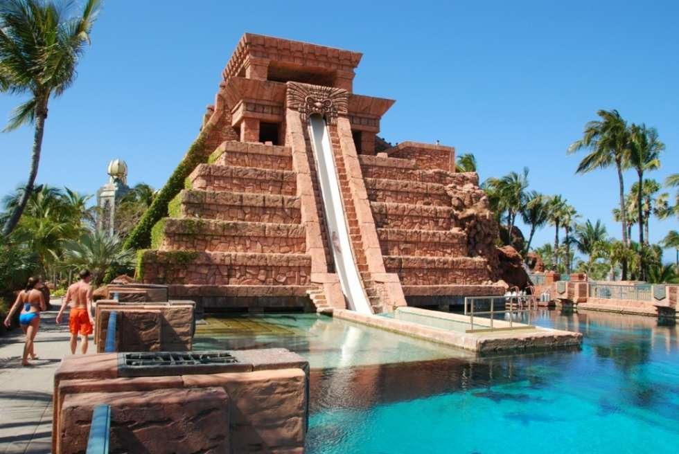 Atlantis-hotel-Mayan-Temple-1024x685