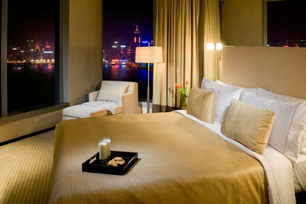 Hotel-Panorama-by-Rhombus_Club-HarbourView-Guestroom_Night-1024x682