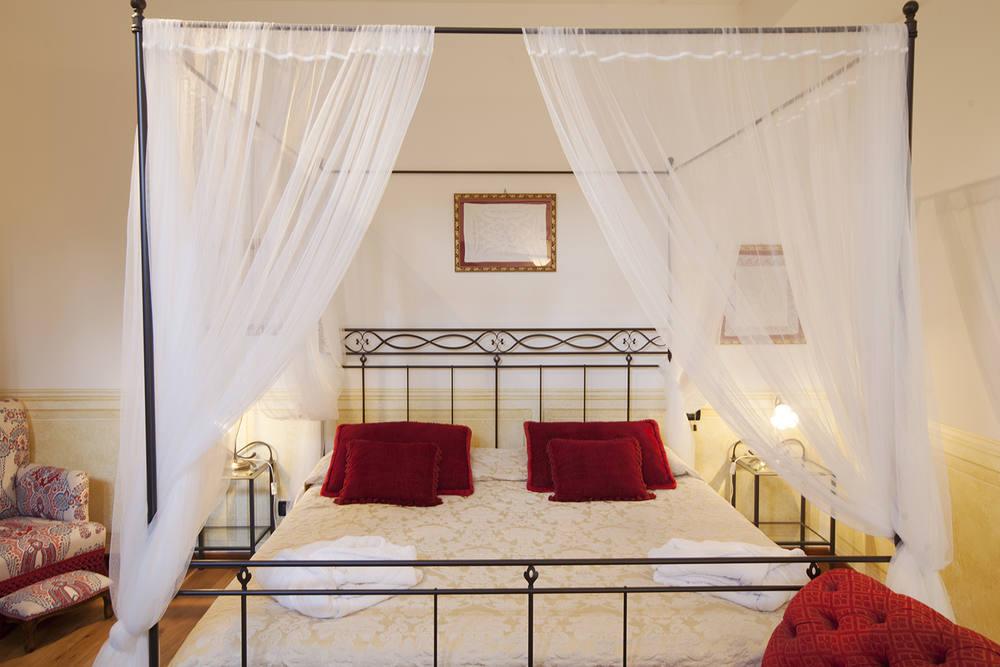 Romantic boutique hotel Lake Garda