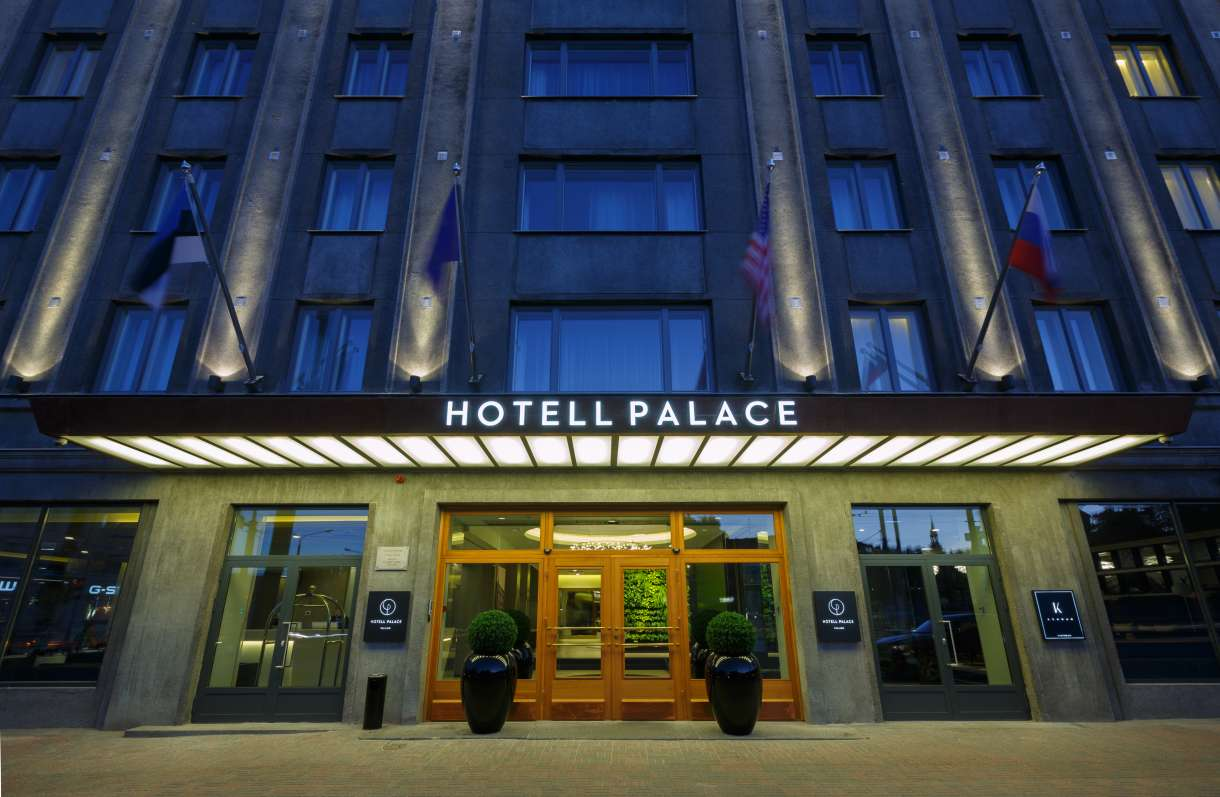 Hotel Palace from outside