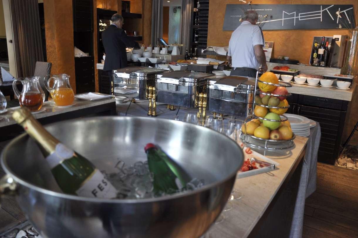 Savoy Boutique Hotel breakfast in Restaurant MEKK
